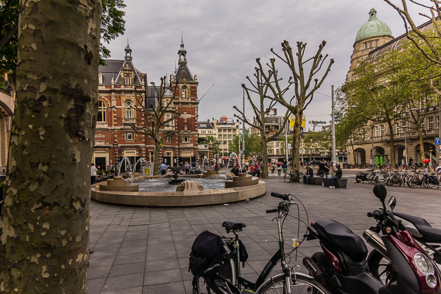 We returned to Leidseplein on Tuesday evening after our city bus tour. The building behind the fountain is the Stadsschouwburg. And, yes, that is a Burger King way in the background!