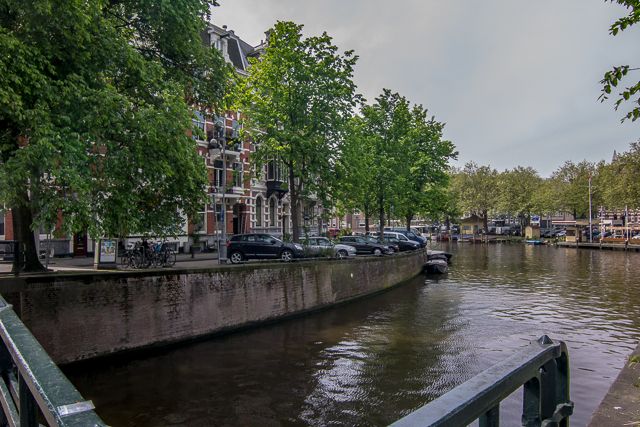 Looking back at our hotel as we began to stroll along the Leidsegracht for a couple of blocks.