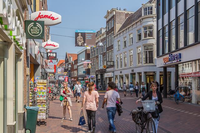 Haarlememmerstraat is Leiden's main shopping area.