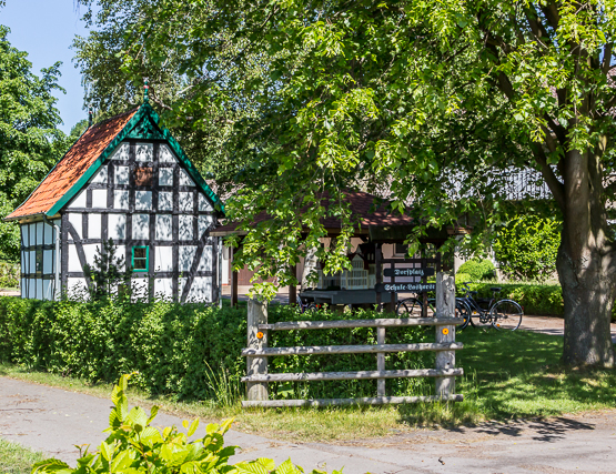 The old school in the Village Square of Lashorst west of Hedem.