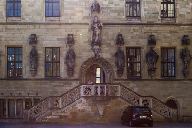 Front entrance to the Rathaus.