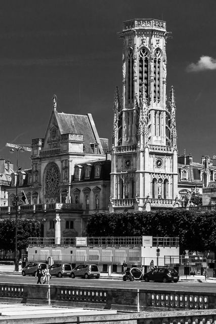 Town Hall of the 1st Arrondissement and the St Germain L'Auxerrois bell tower.