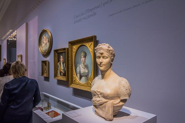 Portraits of Joséphine and Napoleon.