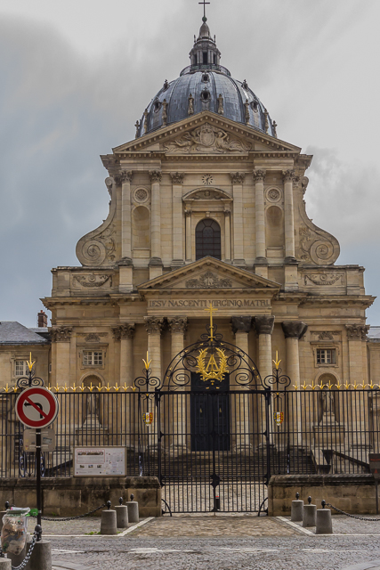 Even less of the dome is visible as I get closer to the church. Mansart wanted only the cross to be seen from this distance but Lemercier and Le Muet changed the shape of the dome.