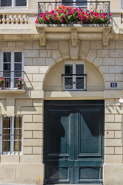 The main entrance to 12 Rue de l'Odéon.