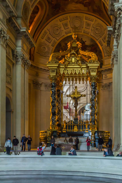 The altar of Dome des Invalides.