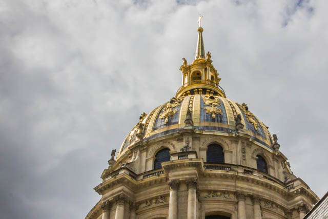 Yes, that's real gold. The Dome has been regilded five times. In 1989 they spread ten kilograms of pure gold leaf on lead tiles.