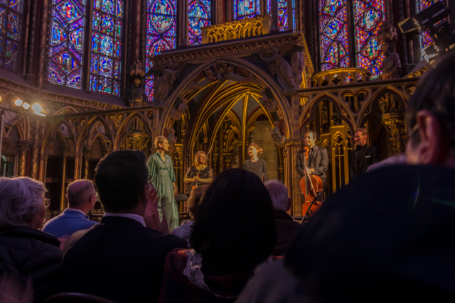 The Les Violones de France concert. The soprano soloist Cécile Besnard is on the left and Frédéric Moreau is on the right.