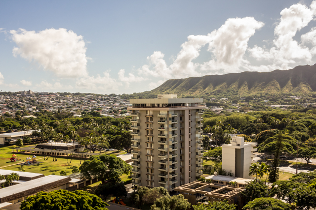 View from our Hyatt Place 14th floor balcony with Diamond Head dominatingf the skyline. That's Jefferson Elementary School on the left.