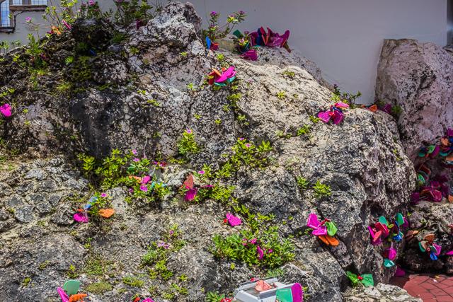 Love on the rocks.