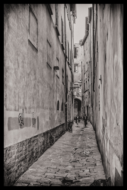 An alley in central Florence.