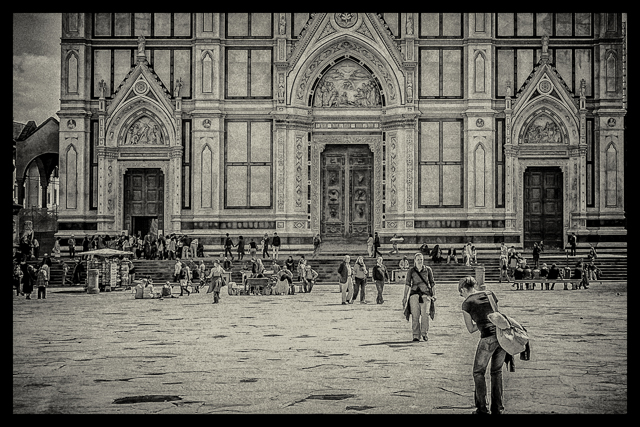 The piazza in front of Santa Croce.