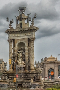 Monument in the middle of Placa d'Espana.