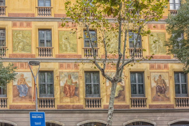We passed the Eixample Hotel on Carrer Roger de lluria for the second time during our walk.