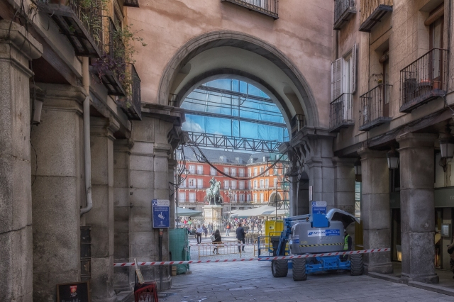 Entrance to Plaza Mayor. I was facing Plaza de Santa Cruz when I shot the previous photo. Them I turned around 180 degrees and took this shot.