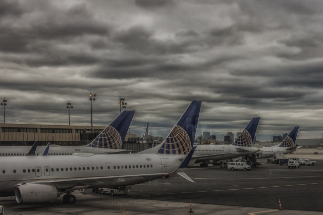 Tails of United at Newark Liberty International.